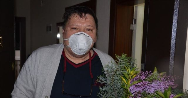 Koronavirüsü yenen 55 yaşındaki KOAH hastası taburcu edildi