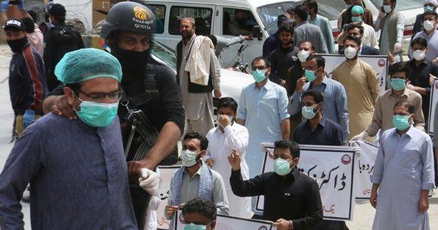 Pakistan'da en yüksek sayıda günlük Kovid-19 vakası kayda geçti