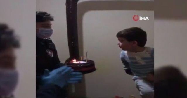 Polisten 4 yaşındaki Rıdvan'a doğum günü sürprizi