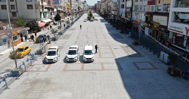 Sultanbeyli Kent Meydanı yaya trafiğine kapatıldı
