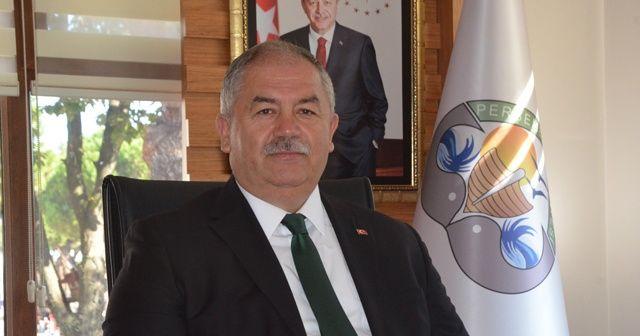 Test sonucu pozitif çıkan belediye başkanı, vatandaşları virüse karşı uyarıyor