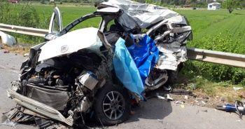 Baba ile oğlu trafik kazasında hayatını kaybetti