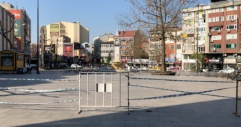 Çorlu'da vatandaşların Cumhuriyet Meydanı'na girmesi yasaklandı