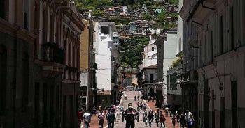 Ekvador'da Kovid-19'un merkez üssü Guayaquil'de ev ve hastanelerden 1424 ceset toplandı