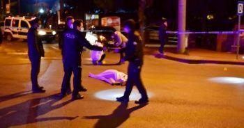 Genç adama sokak ortasında infaz