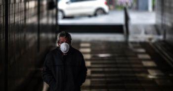 İstanbul'da sokaklar ve caddeler ıssız kaldı
