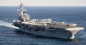 Kaptanı işinden olan uçak gemisinde Kovid-19 vakası artıyor