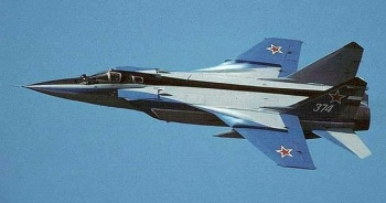 Kazakistan'da savaş uçağı düştü