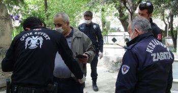 Sokağa çıkan vatandaşın polise verdiği cevap şaşırttı