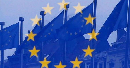 AB, 540 milyar euroluk kurtarma paketinde uzlaştı