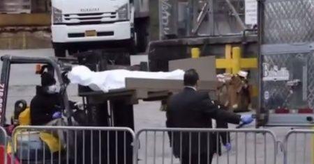 ABD'de, hayatını kaybedenler soğutucu tırlarla taşınıyor