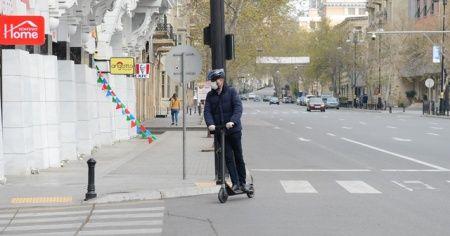 Azerbaycan'da korona virüs nedeniyle sokaklar boşaldı