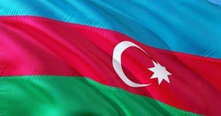 Azerbaycan'da sokağa çıkışlarda SMS ile izin uygulaması başlatıldı