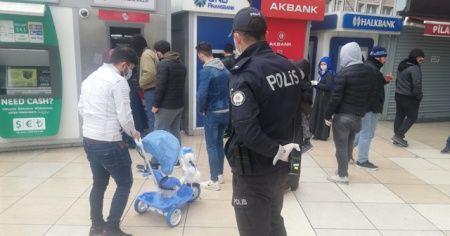 Esenyurt'ta 20 yaş altı gençlere polis uygulaması
