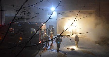 Esenyurt'ta korkutan fabrika yangını!