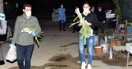 Galatasaray'ın efsanesi, Tarsus'ta gıda paketi dağıttı
