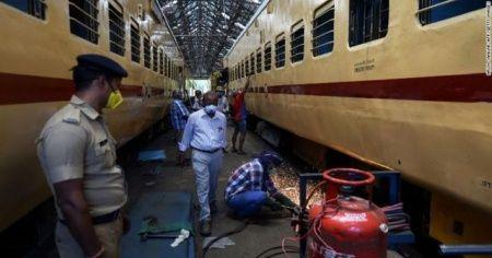 Hindistan'da tren vagonları karantina merkezine dönüştürüldü
