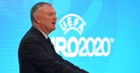 """İngiltere Futbol Federasyonu Başkanı Clarke: """"Bu sezonu bitiremeyebiliriz"""""""