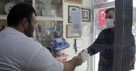 İstanbul'da eczanelerde ücretsiz maske dağıtımı başladı