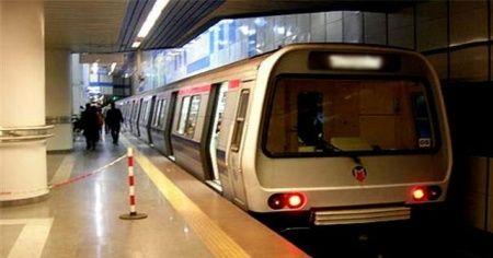İstanbul'da metro seferleri 21.00'de sona erdi