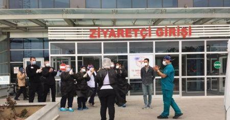 Kırklareli İl Sağlık Müdürü ve kentin ilk korona virüs hastası taburcu oldu