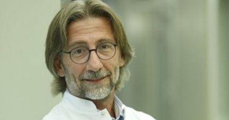 Korona virüs aşısı için çalışan Prof. Dr. Ovalı'dan heyecanlandıran paylaşım