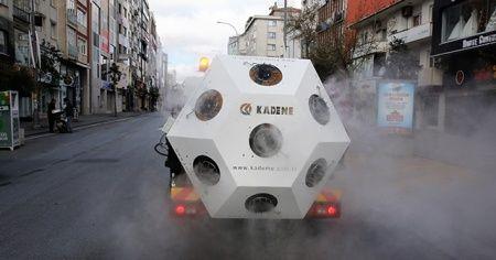 Koronavirüs savaşçısı Mikronsis aracı İstanbul sokaklarında