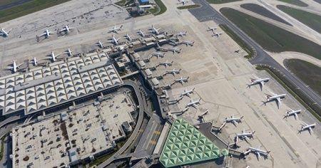 Koronavirüsü sonrası Atatürk Havalimanı uçaklarla doldu