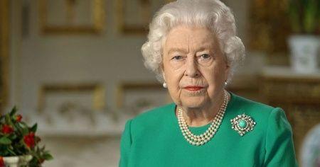 Kraliçe 2. Elizabeth İngiliz halkına 'kararlılık' mesajı verdi