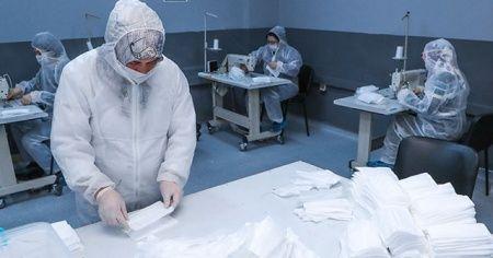 Lisede cerrahi maske makinesi ile günde 100 bin cerrahi maske üretiliyor