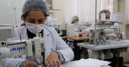 Maske fabrikası gibi lise: Günde 6 bin maske üretecek