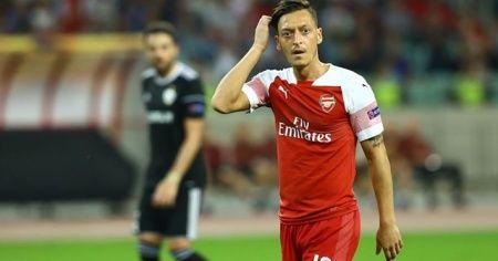 Mesut Özil'den 'evde kalanlara' Arsenal maçına davetiye
