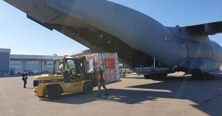 MSB: Sağlık malzemelerini taşıyan uçak Kosova'ya ulaştı