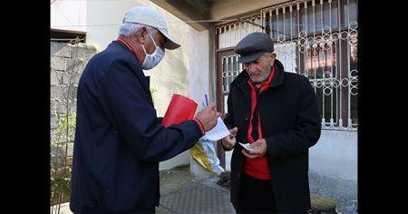 PTT'nin yardım paralarını evlere ulaştırması vatandaşları sevindirdi