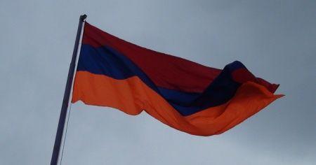 Rusya'dan Ermenistan'a maske ve tıbbı cihaz yardımı