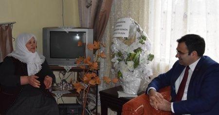 Şehit annesinden Milli Dayanışma Kampanyası'na destek