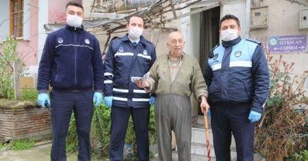 Zabıtaya hitabıyla duygulandıran Burhan amca hastaneye kaldırıldı