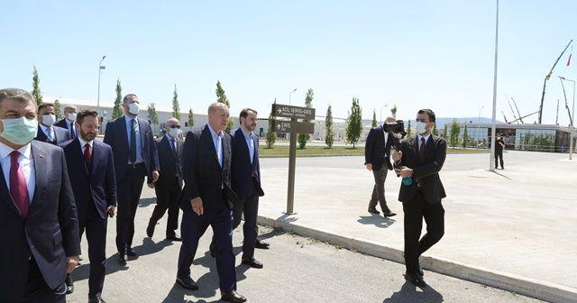 Cumhurbaşkanı Erdoğan, pandemi hastanelerinde incelemelerde bulundu