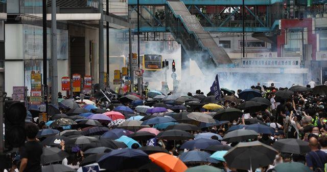 Hong Kong'da Çin protesto edildi