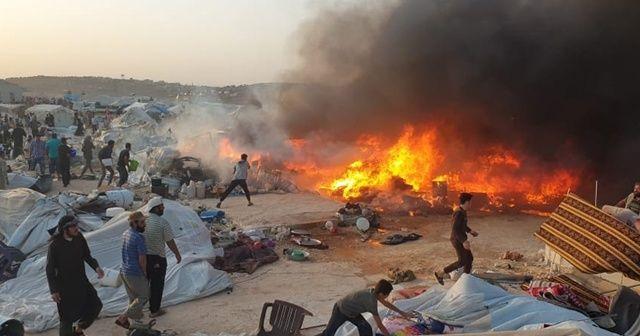 İdlib'te sığınmacıların kaldığı kampta yangın çıktı