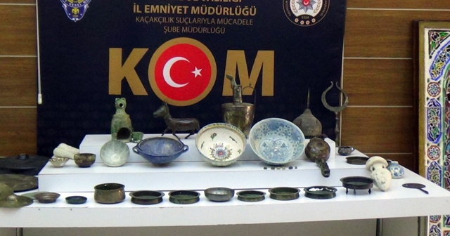 İstanbul'da tarihi eser operasyonu: 78 parça eser ele geçirildi