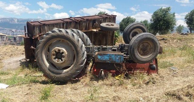 Kendi kullandığı traktörün altında kalarak öldü