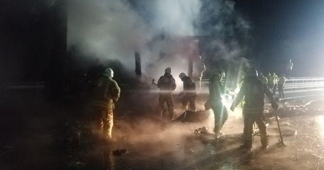 Kuzey Marmara Otoyolu'nda medikal maske yüklü tır dorsesinde yangın