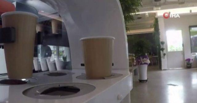 Sosyal mesafenin korunması için robot barista devrede