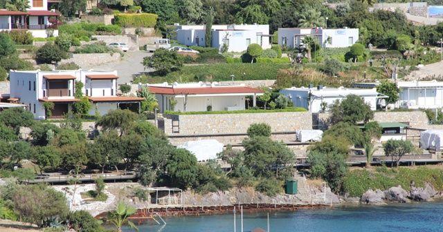Yılmaz Özdil milyon dolarlık evini yıkıyor