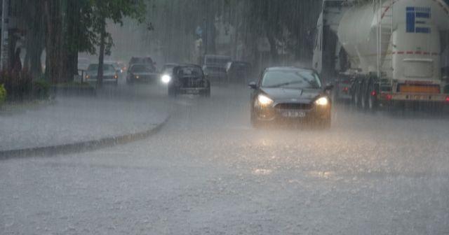 Zonguldak'ta sağanak yağış hayatı olumsuz etkiledi