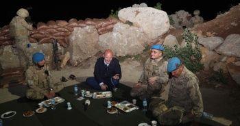 Bakan Soylu Namaz Dağı'nda askerlerle iftar açtı