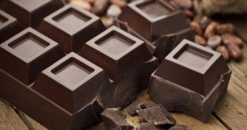 Bitter çikolata nasıl yapılır içinde neler var bitter çikolata kalori ne kadar