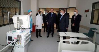 Cumhurbaşkanı Erdoğan, Başakşehir Çam ve Sakura Şehir Hastanesi'nde incelemelerde bulundu