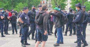 """Fransa'da """"Sarı Yelekliler"""" yeniden eylem için sokağa indi"""